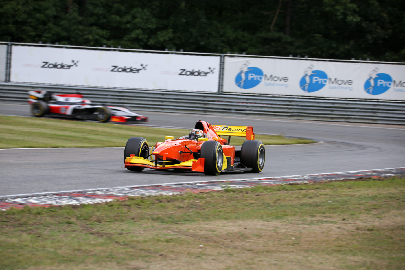 Mahaveer Raghunathan (r.) finishing Qualifying as fastest driver of the FORMULA class at Zolder 2017.