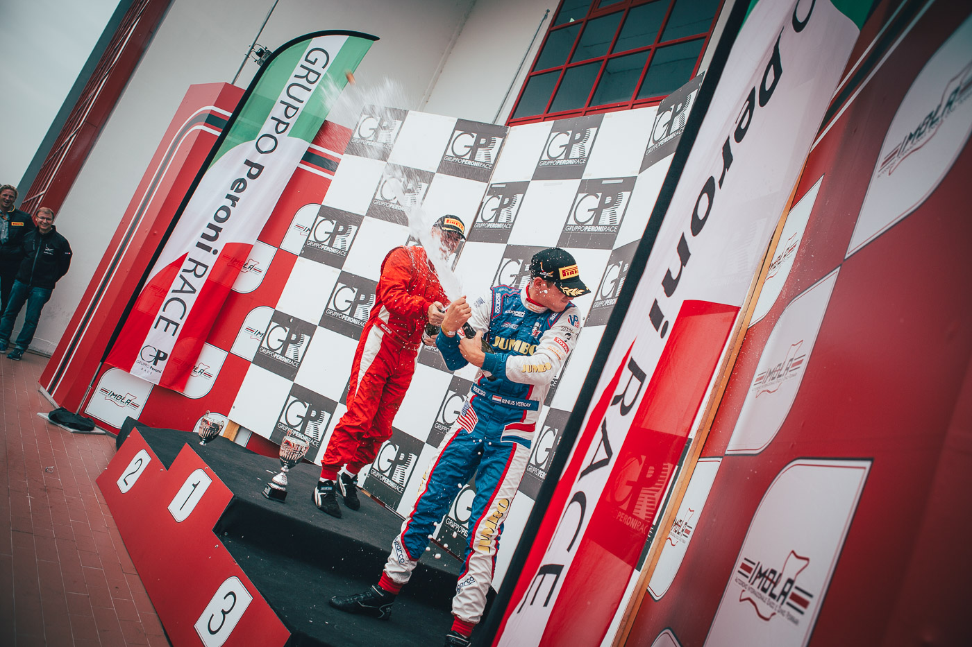 Van Kalmthout wins last season race 2017 in the OPEN class.