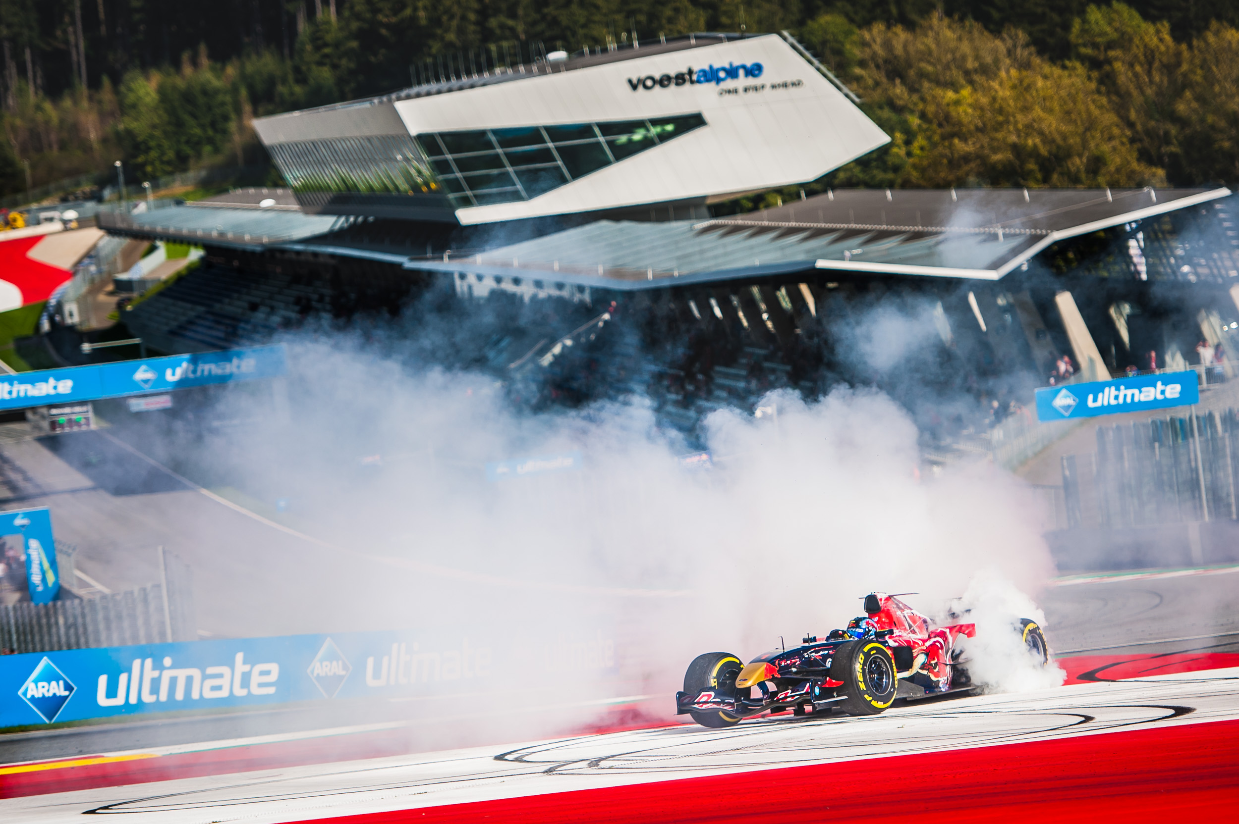 Ingo Gerstl does donuts in his Toro Rosso STR1